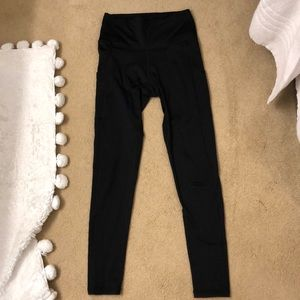 Aerie Play Leggings Black with POCKET size M